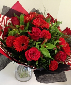 Bouquet%20of%20Reds%20$105%20image%201.JPG