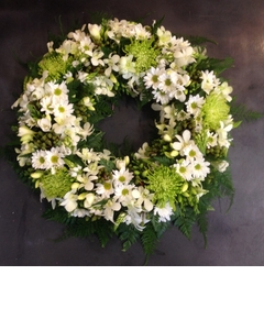 Round Wreath of Green and White