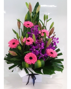 arrangement%20of%20pink%20lillies,%20orchids%20&%20gerbera%20(1).jpg