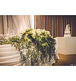 Trailing bridal table arrangement