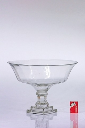 glass%20flare%20footed%20vase%2033x24.5cm%20$45%20(1).jpg