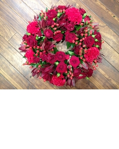 Round Wreath of Reds