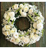 Round Wreath in Whites