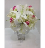 Bouquet with silver trailing wire