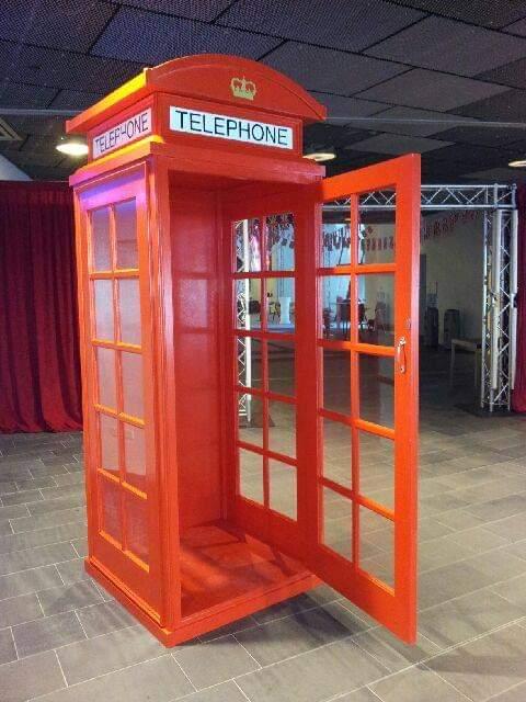 English_Telephone_Box.jpg