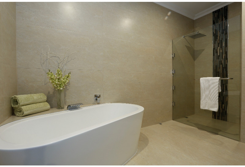 Photograph of Ensuite bathroom