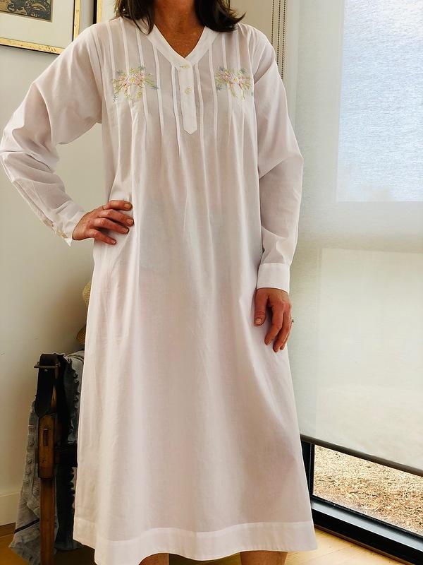 Cotton Nightie MND 774  Cotton nightie 48 inch white long sleeve with embroidery