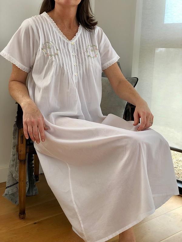 Cotton Nightie MND 778W  Cotton nightie 48 inch white short sleeve with embroidery