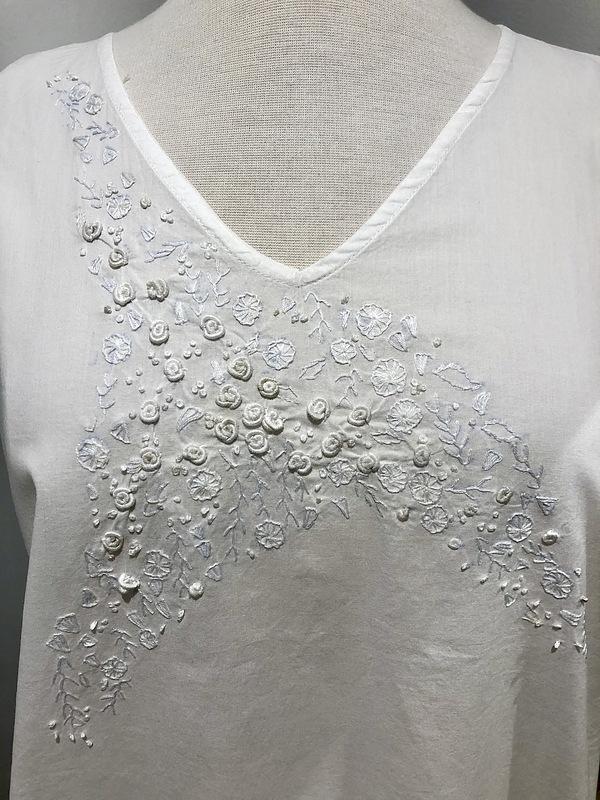 Cotton Nightie MND 780  Cotton nightie 48 inch White on white