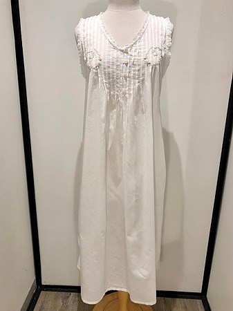 Cotton Nightie MND777W  Cotton nightie white sleeveless, lace trim  with embroidery - Image 2