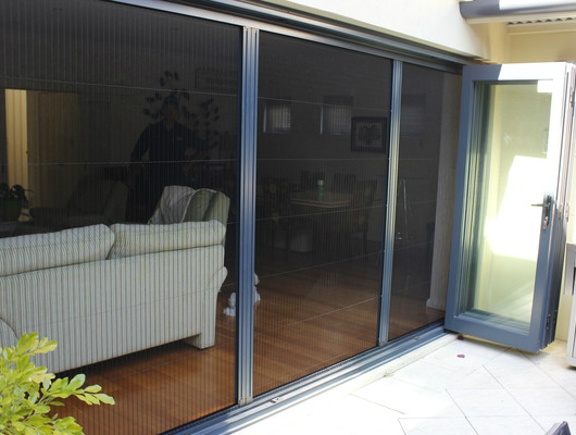 Retractable Fly Screens for Orange Grove