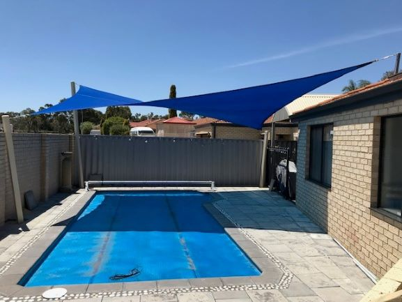 Pool Shade Sail - 3 post - 1 high roof mast design - Rainbow shade Extreme 32 Royal Blue