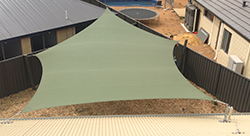 Shade sail with 3 posts and 3 roof fixings