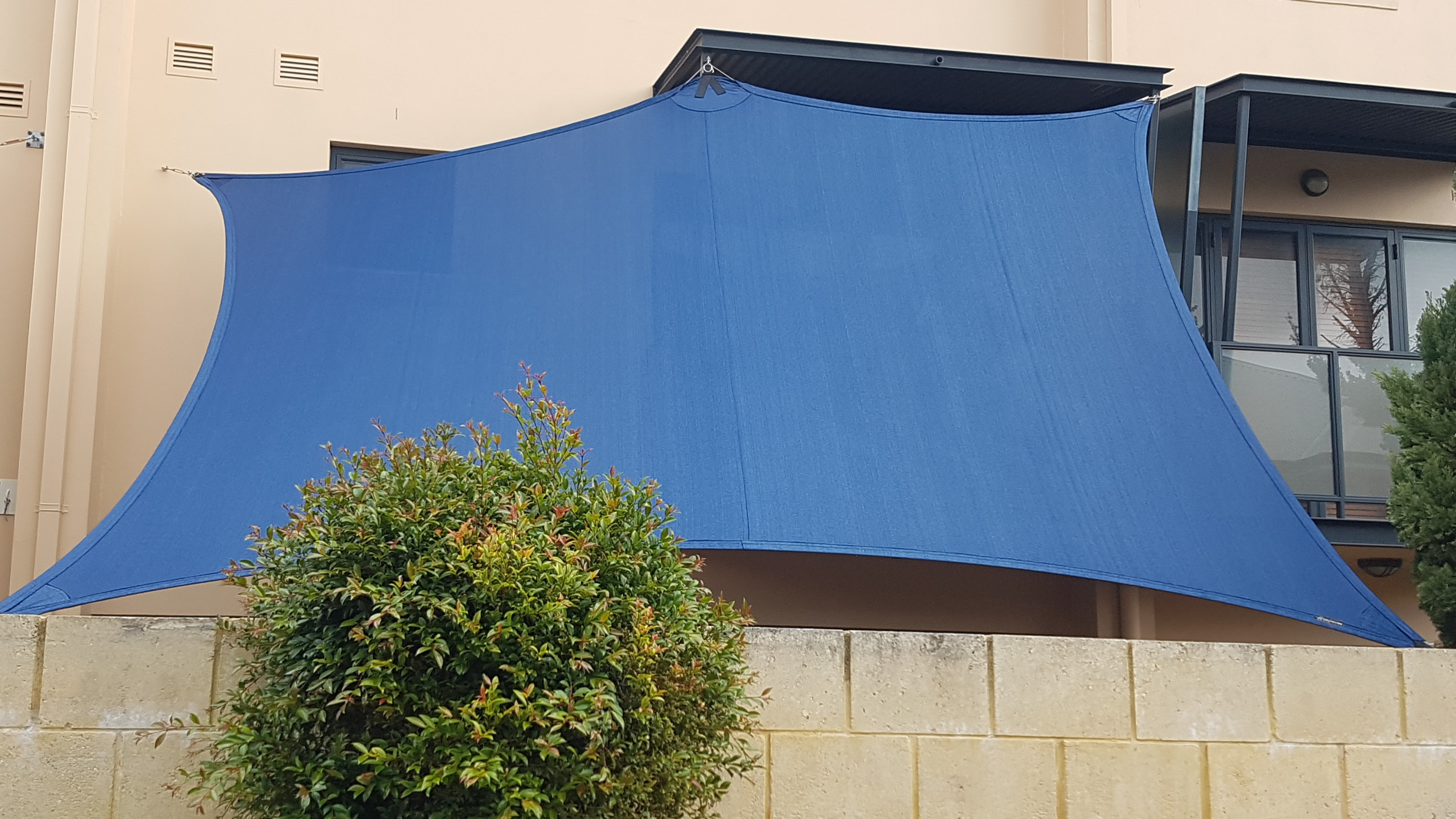 Sail_City_Shade_Sail_and_privacy_screen_North_Perth_Rainbow_Z16_Navy_Blue.jpg