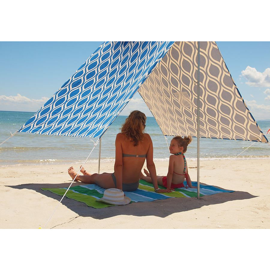 Hollie and Harrie Moroccan Blue Sombrilla Moana Beach Shade